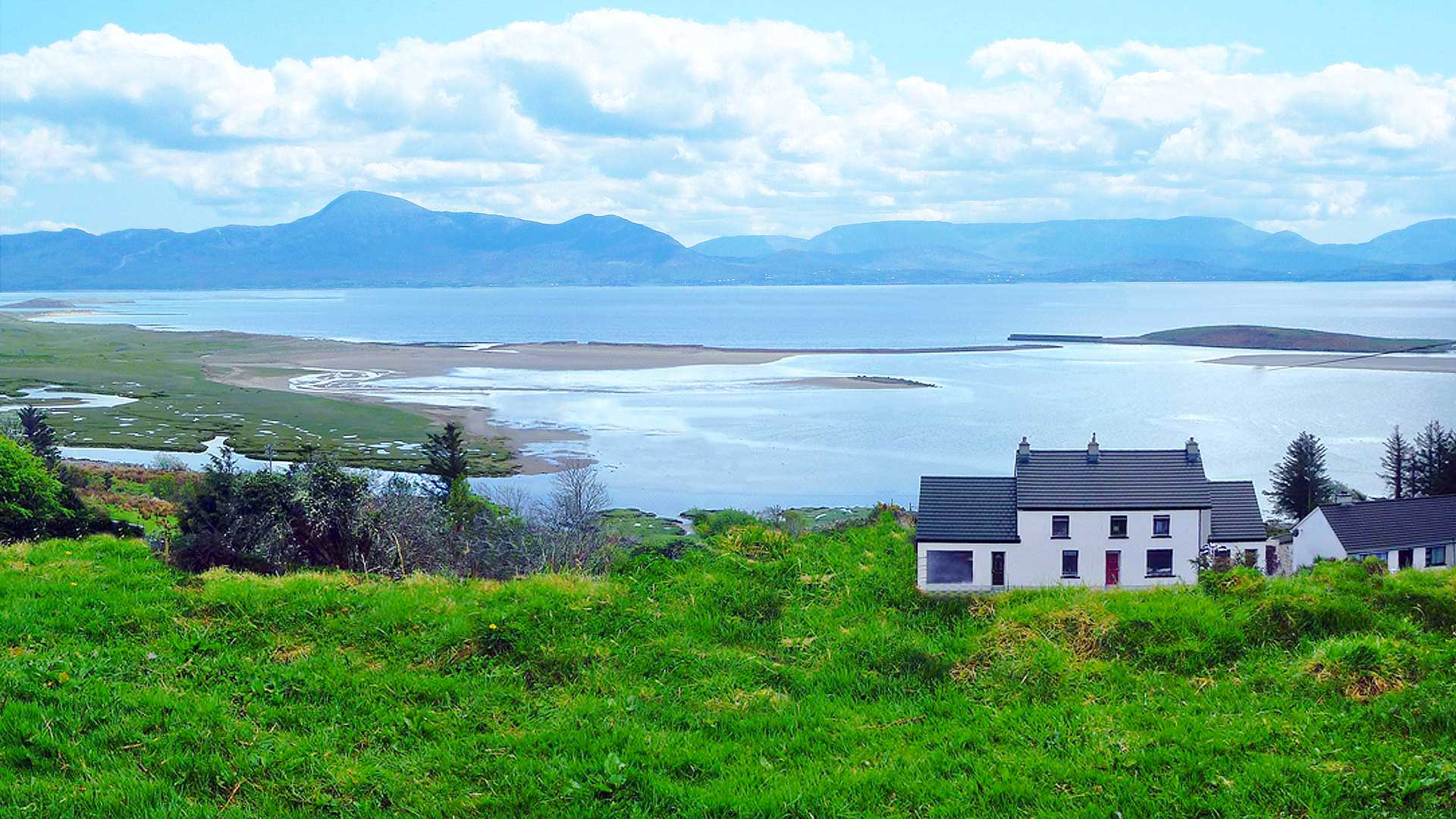 http://mulrannyhouse.ie/wp-content/uploads/2015/02/mulranny-house-mountain-view3.jpg
